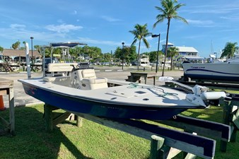 2009 17 Sterling Yachts TR 7 3