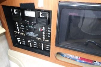 2004 Seaswirl Striper 2901 WA OB 65