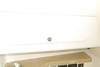2004 Seaswirl Striper 2901 WA OB 81