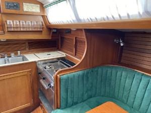 TEASER 4 TEASER 1985 HINCKLEY Bermuda 40 MKIII Sloop Yacht MLS #270069 4