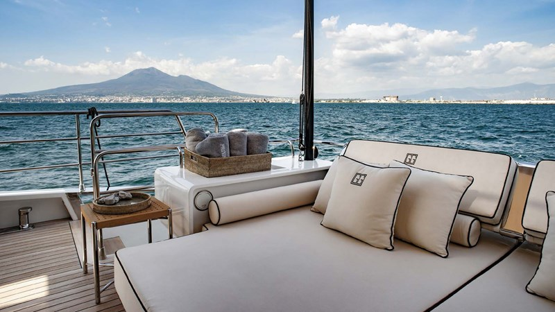 yacht-private-gg-exterior-1