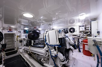 70 Viking 86 Engine Room