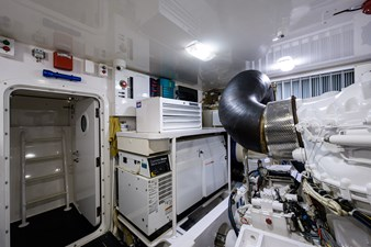 70 Viking 79 Engine Room