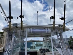 Pursuit 3070 Offshore 9