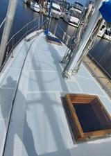 11 Sail Awaay Foredeck