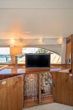 2006 Riviera Enclosed Flybridge 4 5