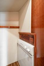 2006 Riviera Enclosed Flybridge 17 18