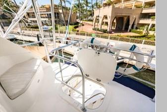 2006 Riviera Enclosed Flybridge 19 20