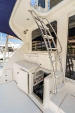 2006 Riviera Enclosed Flybridge 20 21