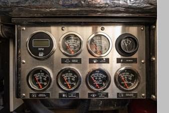 2006 Riviera Enclosed Flybridge 31 32