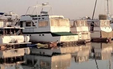 1970 Hatteras Motor Yacht 2 3