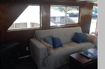 1970 Hatteras Motor Yacht 9 10