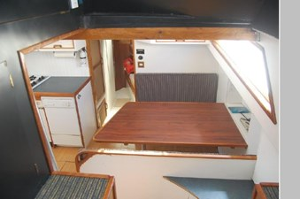 1970 Hatteras Motor Yacht 30 31