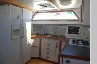 1970 Hatteras Motor Yacht 33 34