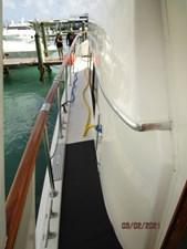 11_2778279_48_hatteras_port_side_deck2