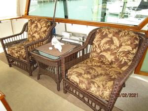 28_2778279_48_hatteras_sundeck_port_seating
