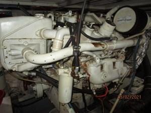 56_2778279_48_hatteras_starboard_main_engine