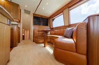 12 Salon Starboard Forward