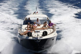 Eight and a Half 12 Riva-59-mercurius Sister Bow Running