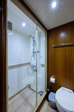 AMAZING GRACE 29 Port Guest Head Stateroom