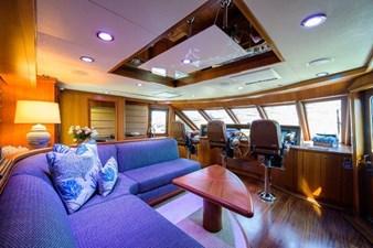 AMAZING GRACE 38 Enclosed Flybridge