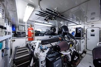 AMAZING GRACE 49 Engine Room