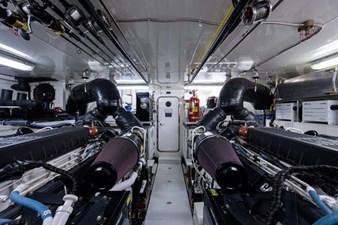 AMAZING GRACE 50 Engine Room