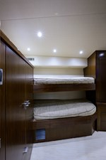76_viking_six_pack_starboard_guest_stateroom_1