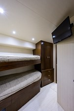 76_viking_six_pack_starboard_guest_stateroom_3