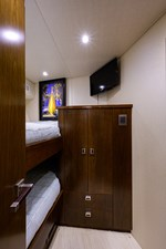76_viking_six_pack_fwd_port_guest_stateroom_3