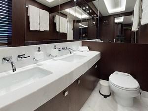 INSOMNIA-Bathroom(2)