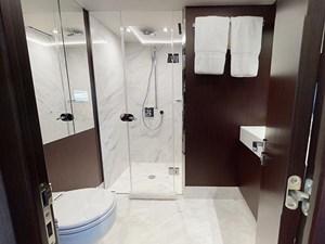 INSOMNIA-VIP-Bathroom