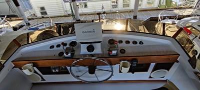 TIME WELL SPENT 6 TIME WELL SPENT 1969 CHRIS-CRAFT Chris Craft Cavalier Cruising Yacht Yacht MLS #270321 6
