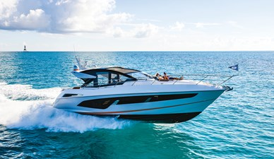 SUNSEEKER PREDATOR 60 EVO 0 sunseeker-predator-60-evo-luxury-yacht-review-boat-test-drive-video-credit-sunseeker-florida
