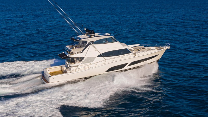 Riviera-72-Sports-Motor-Yacht-Edition-II-Running-001