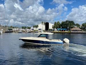 CHRIS CRAFT CALYPSO 35 0 2021-CHRIS-CRAFT-35 CALYPSO-Palm Beach Gardens-New-N61993-612129