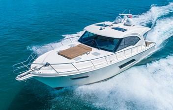 Riviera 575 - No Watermark (2)