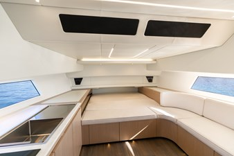 JUS 5 Interior Cabin