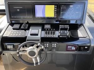 JUS 8 Helm Controls