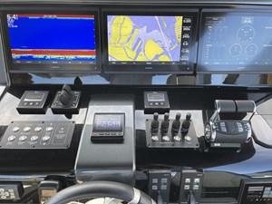 JUS 32 Helm Controls