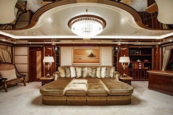 AQUARIUM  8 Master Lounge