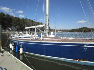 2_2778475_47_swan_starboard_forward_profile