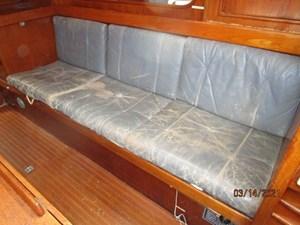 20_2778475_47_swan_salon_starboard_seating