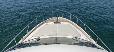 SILVER LINING 23 Foredeck