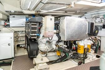 SILVER LINING 29 Engine Room - Port Engine