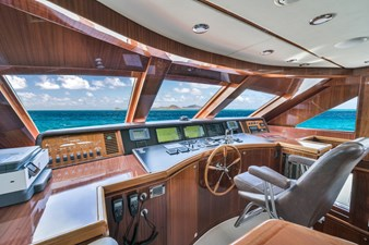 Limitless 13 2010 Hargrave 101 Motor Yacht - Limitless - Pilothouse