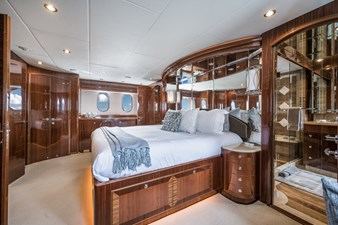 Limitless 16 2010 Hargrave 101 Motor Yacht - Limitless - Master Stateroom