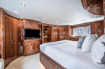 Limitless 17 2010 Hargrave 101 Motor Yacht - Limitless - Master Stateroom