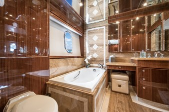 Limitless 20 2010 Hargrave 101 Motor Yacht - Limitless - Master Stateroom Head