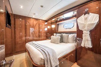 2010 Hargrave 101 Motor Yacht - Limitless - Starboard Guest Stateroom